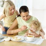 Как уговорить ребенка поесть?