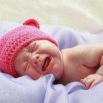 Какая причина плача детей во сне и как себя вести родителям?