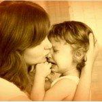 Почему ребенок плачет, и что делать родителям?