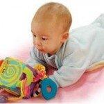 Ребенку 3 месяца. Что он умеет?