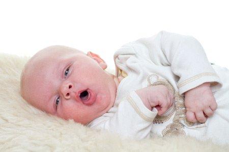 Мокрота у новорожденных: как помочь ребенку