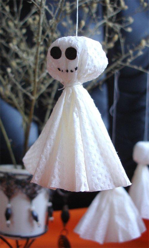 Милое и ужасное привидение в духе Хэллоуин