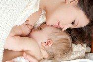 Важный момент кормление новорожденного ребенка