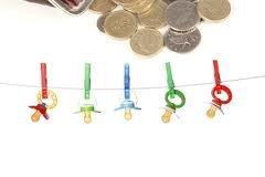 Ежемесячные выплаты на ребенка.